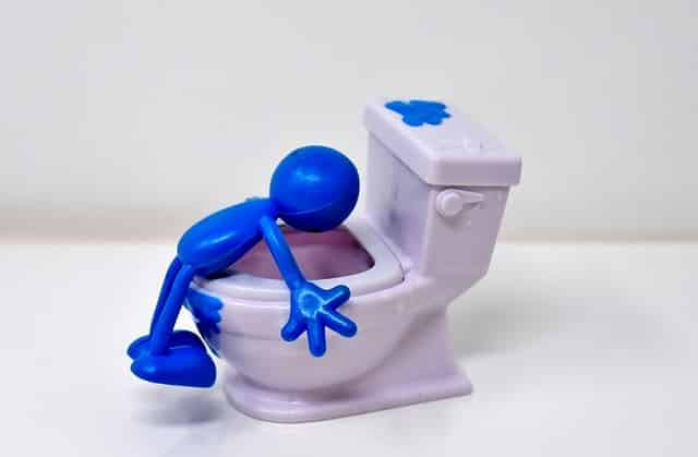WC Supendu : Avantages et Inconvénients (astuces de plombier)