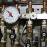 Le réducteur de pression doit être installé entre le compteur d'eau et les installations domestiques