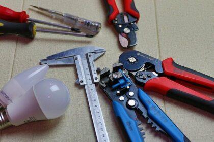 outils d'un éléctricien