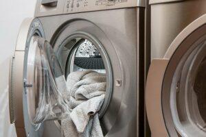La meilleure façon de réparer une machine à laver bouchée
