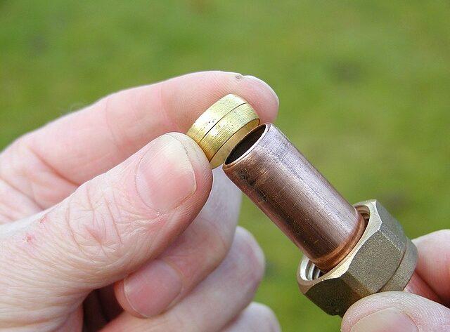 Plomberie : Quand Mettre Un Joint ou de la Filasse